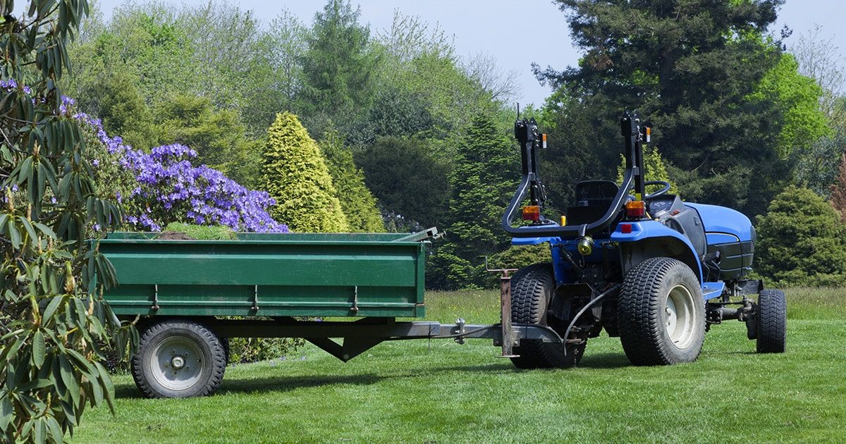 How to Pick the Best Lawn Cart or Utility Trailer